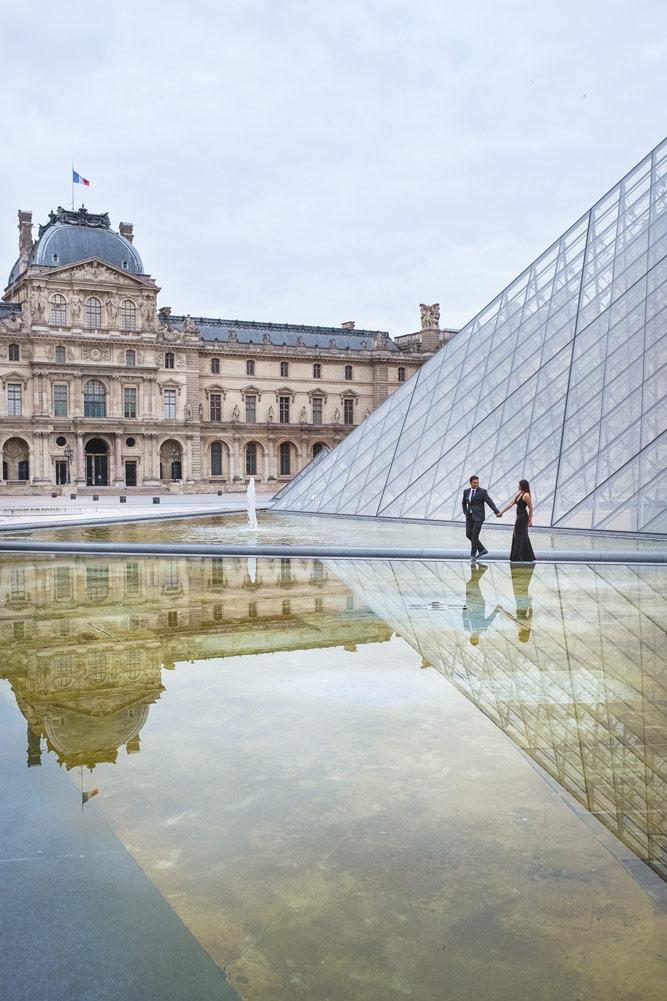 Paris-photographer-Paris-for-Two-Christian-Perona-engagement-love-pre-wedding-proposal-best-Louvre-museum-pyramid-sunrise-water-reflex.jpg