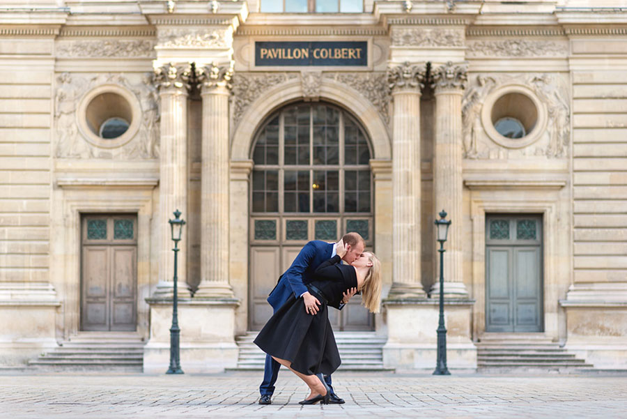Paris-photographer-Christian-Perona-professional-engagement-proposal-pre-wedding-portrait-louvre-museum-musee-pyramid-deep-kiss-pavillon-colbert.jpg