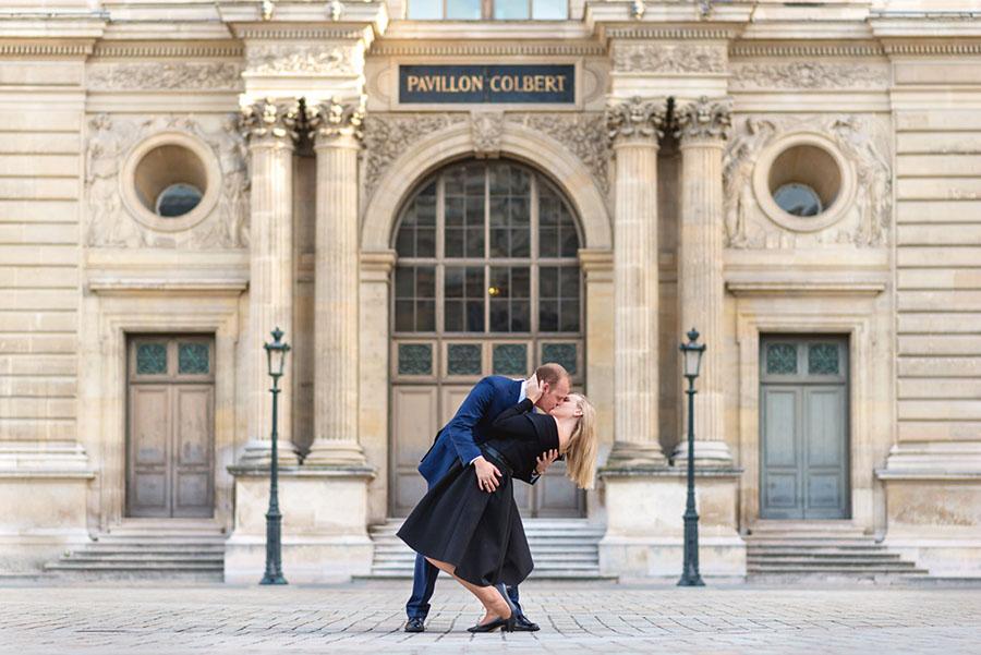 Paris-photographer-Christian-Perona-professional-engagement-proposal-pre-wedding-portrait-louvre-museum-musee-pyramid-deep-kiss-pavillon-colbert.jpg