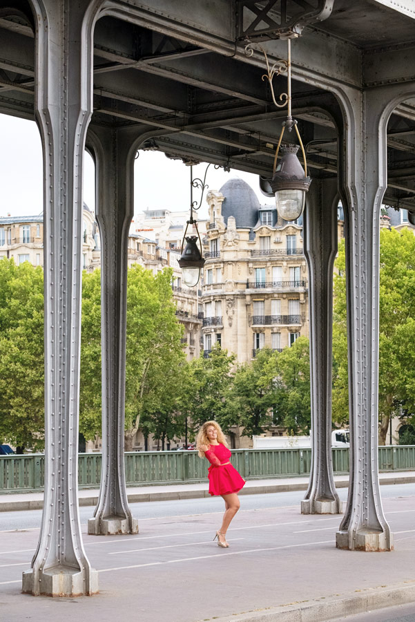 Paris-photographer-Paris-for-Two-Christian-Perona-solo-trip-quinceanera-inception-shoot-photoshoot-Bir-Hakeim-bridge-summer.jpg