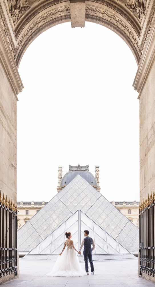Paris-for-Two-Christian-Perona-Louvre-Museum-Musee-Paris-photographer-proposal-engagement-pre-wedding-honeymoon-love-romantic-wedding-dress-bride-groom-pyramid.jpg
