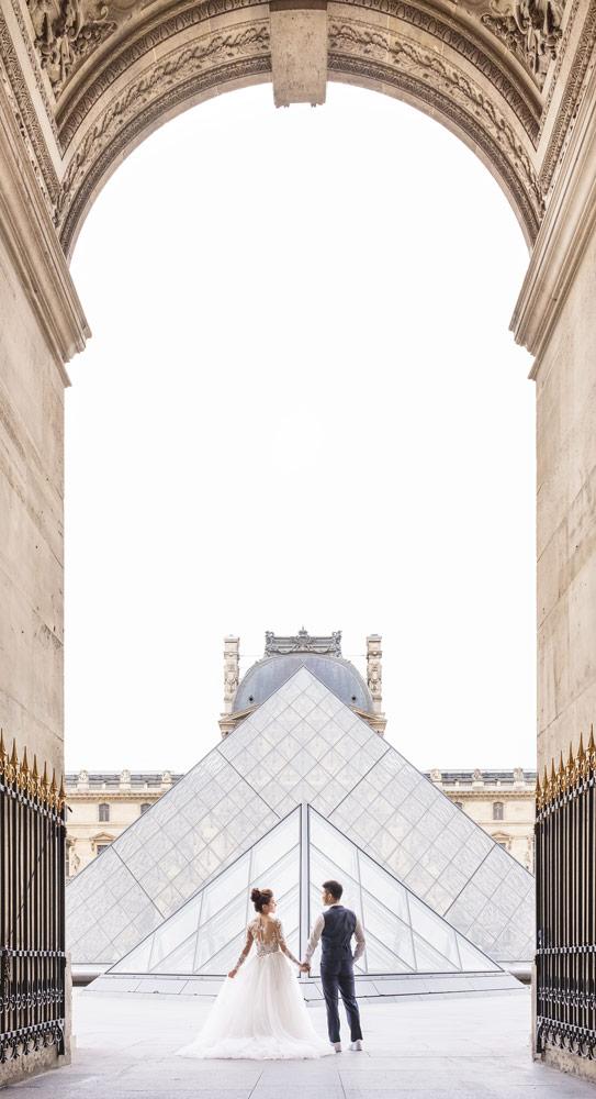 Paris-for-Two-Christian-Perona-Louvre-Museum-Musee-Paris-photographer-proposal-engagement-pre-wedding-honeymoon-love-romantic-wedding-dress-bride-groom-pyramid.jpg