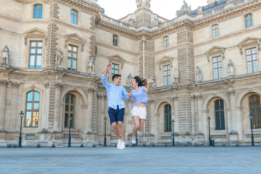 Paris-for-Two-Christian-Perona-Louvre-Museum-Musee-Paris-photographer-proposal-engagement-pre-wedding-honeymoon-love-romantic-sunrise-jumping.jpg