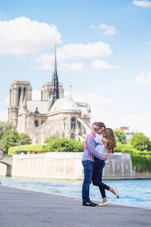 Photographer-Paris-engament-proposal-she-said-yes-Notre-Dame-de-Paris-Seine-quay-happy-love.jpg