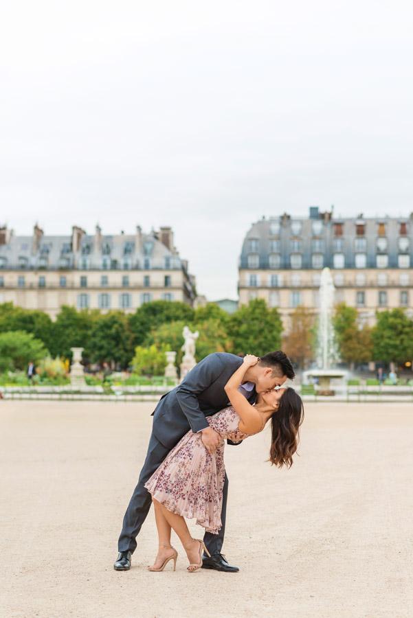 paris-photographer-christian-perona-professional-engagement-proposal-pre-wedding-portrait-tuileries-garden-deep-kiss.jpg