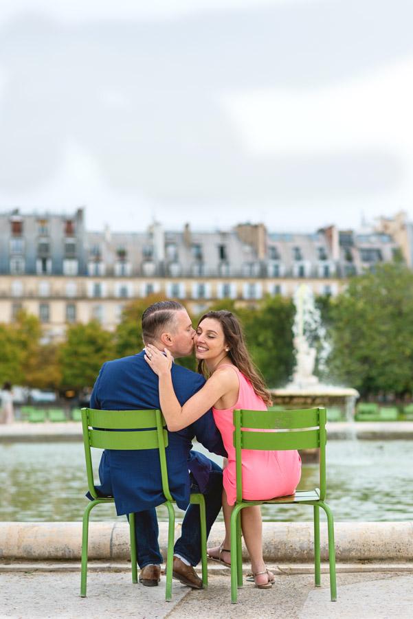 paris-photographer-christian-perona-professional-engagement-proposal-pre-wedding-portrait-tuileries-garden-wedding-ring.jpg