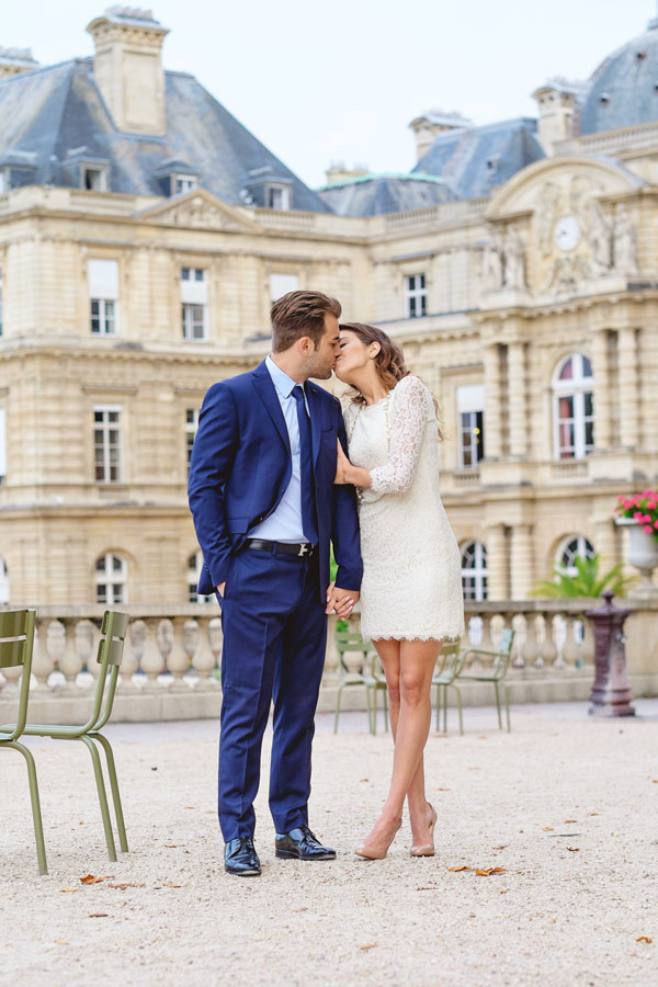 Paris-photographer-Paris-for-Two-Christian-Perona-engagement-love-pre-wedding-proposal-honeymoon-Luxembourg-garden-flowers-spring-15.jpg