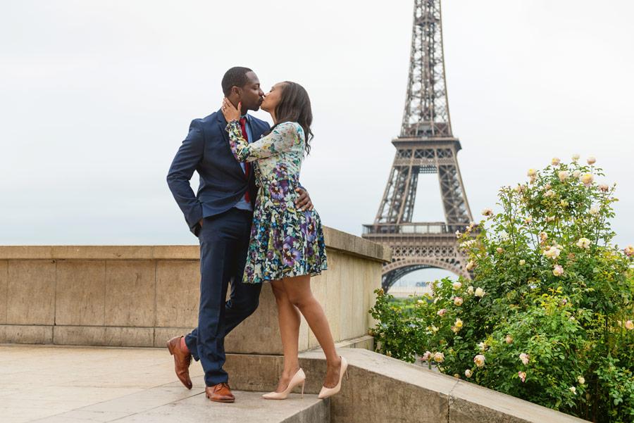 Photographer-Paris-for-two-Christian-Perona-honeymoon-proposal-engagement-Trocadero-Eiffel-tower-sunrise-black-power-kissing-flowers.jpg