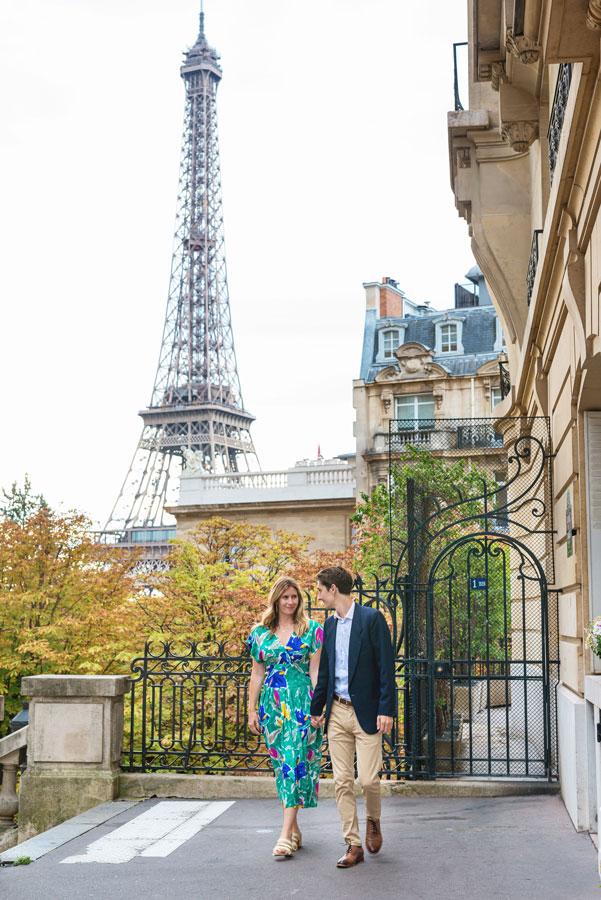 Photographer-Paris-Christian-Perona-Honeymoon-proposal-engagement-Eiffel-tower-sunrise-avenue-Camoens-cobblestones-street-3.jpg