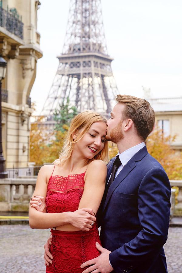 Photographer-Paris-Christian-Perona-Honeymoon-proposal-engagement-Eiffel-tower-sunrise-avenue-Camoens-cobblestones-street-13.jpg