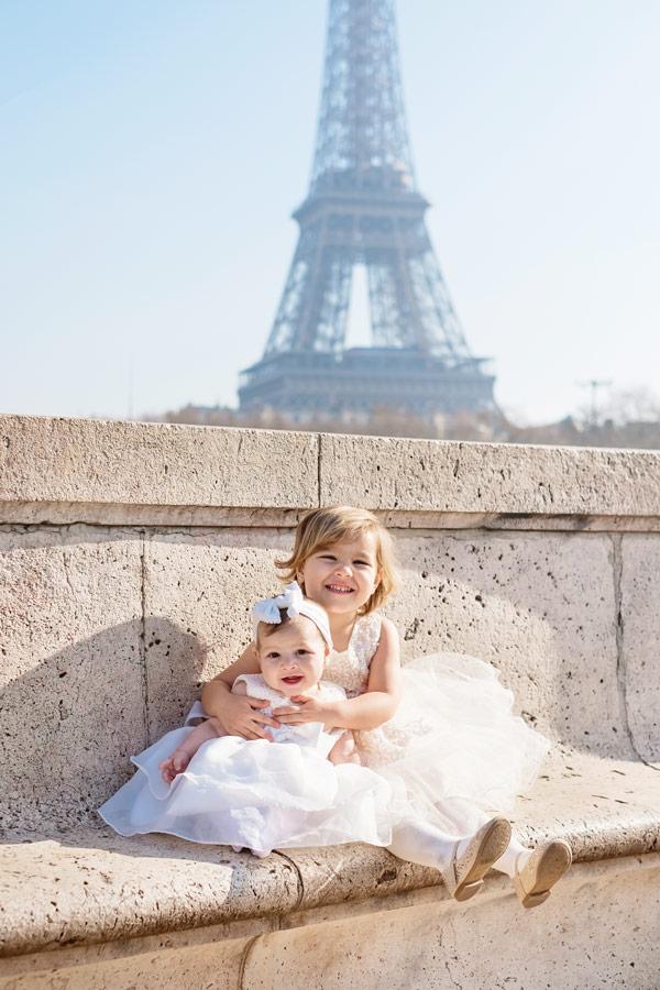 Paris-for-Two-Christian-Perona-engamement-proposal-she-said-yes-photoshoot-romantic-trip-Bir-Hakeim-bridge-Eiffel-tower-riverside-Seine-family-3.jpg