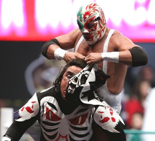 Dr Wagner Jr. removes LA Park's mask!