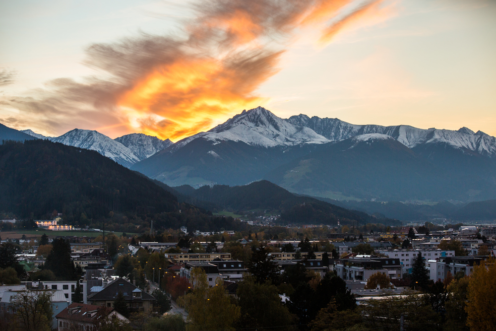 251015_fausko_innsbruck_downday_streetphoto_sunset_-9.jpg