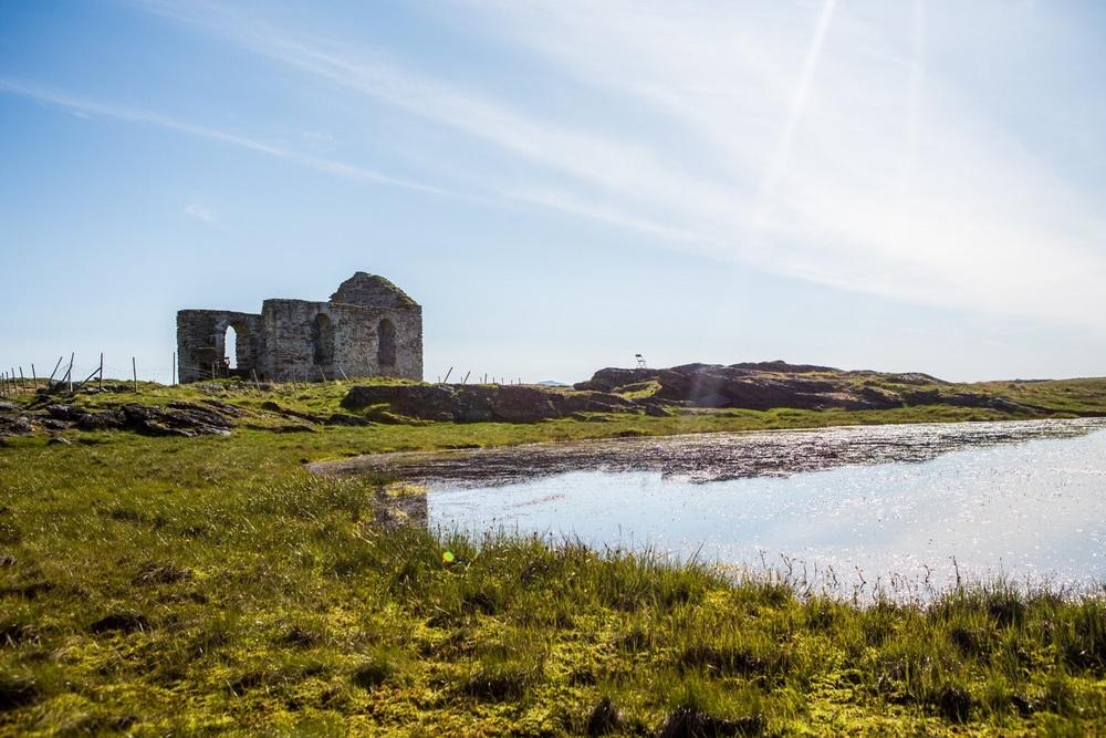 Old church ruins.. Snoorh!