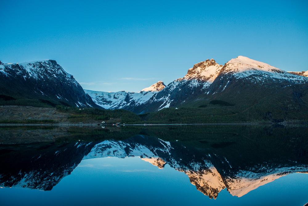 220516_fausko_lofotentravels_topptur_helgelandsbukken_landskap_dokumentar_freeskiing-3.jpg