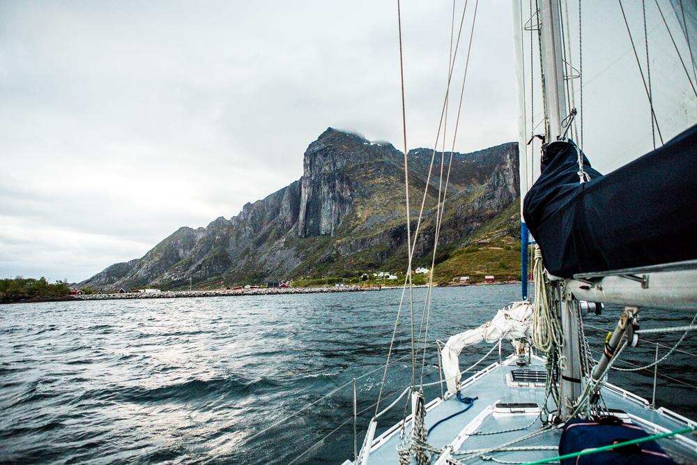 230516_fausko_lofotentravels_nordland_lillefugleøy_landskap_portrett-2.jpg