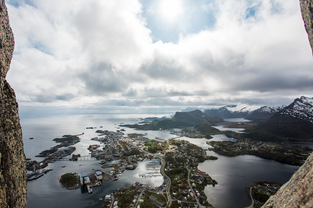 250516_fausko_lofotentravels_svolvær_svolværgeiten_sandvikencamping_landskap-6.jpg