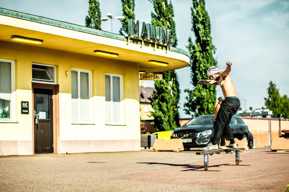 210718_fausko_malung_dansbandsveckan_skate_togstasjonen_action_portrett-2.jpg