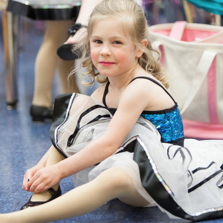 - Beginner Tap / Ballet1 hour combo class for ages 3-5; recommended for beginners and our younger students; dancers learn ballet terminology and flexibility; basic tap skills are taught through fun and upbeat music.$12.50 per session.