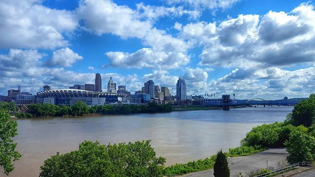 Out here in covington Kentucky for maifest. Enjoying the morning views. Excited to go back home next week. #cincinnati #covington #Kentucky #ohio