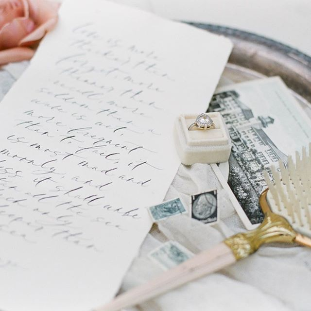 Last Summer, on the mornings of their wedding days, I was honored to witness a few of my brides and grooms take a quiet moment and read love letters they had written to each other. This gesture of romance is so touching, especially considering how these letters can be treasured as reminders of that early, butterfly-inducing love!⠀ ⠀ ⠀⠀⠀⠀⠀⠀⠀⠀⠀⠀ Styling: @strucksuredevents | Florals: @foragedfloral | Rentals: @classicvintagerentals | Paper Goods: @racheljacobson | Ring: @susiesaltzman | Ring Box: @themrsbox ⠀