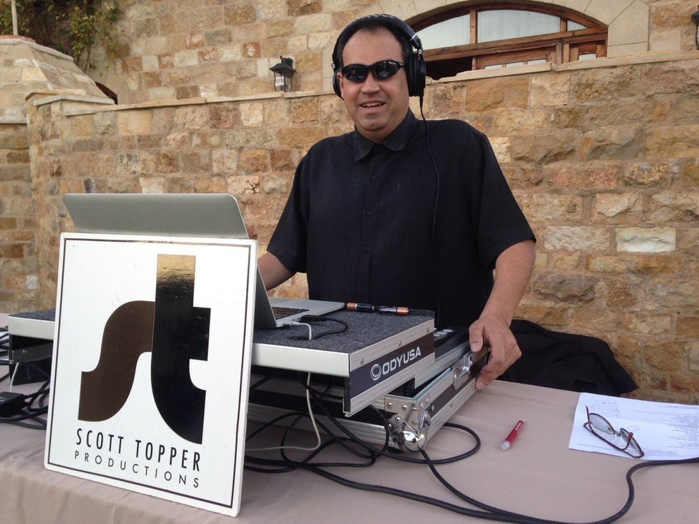 DJ-MC Ben Sunstone Winery.JPG