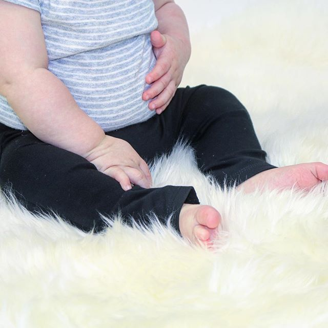Baby rolls & bellies in our black basic leggings - please comment below if there is a particular color you'd like to see! #basics #hugmesewbasics