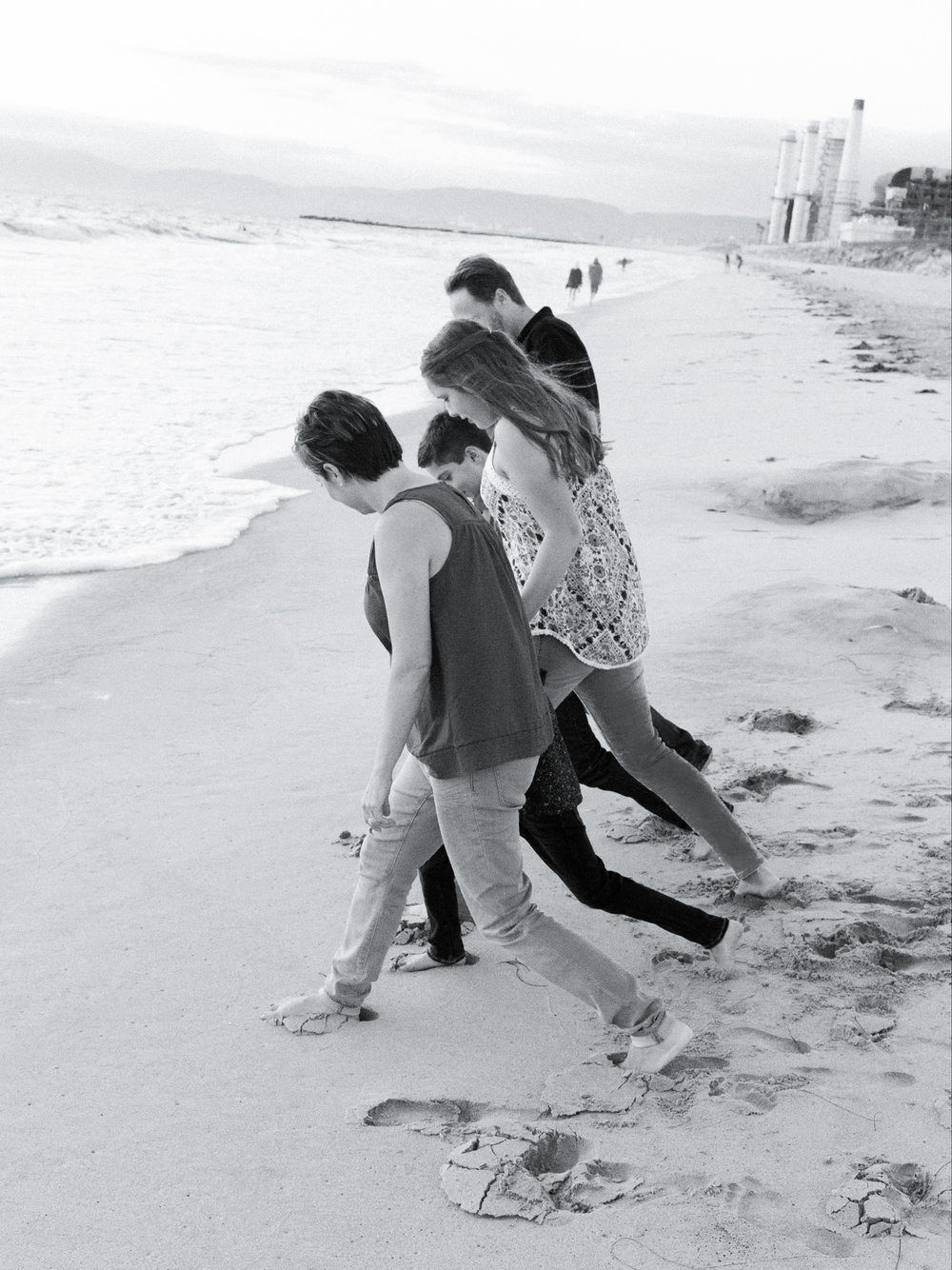 El Porto Manhattan Beach Family Portrait Photographs and El Porto Manhattan Beach Family Portrait Photographs, El Porto Manhattan Beach Family Portrait Photographs, Photographer, El Porto Manhattan Beach Family Portrait Photographs from Fine Art Family Portrait Photographer, engagement photographer and Wedding Photographer Daniel Doty Photography.