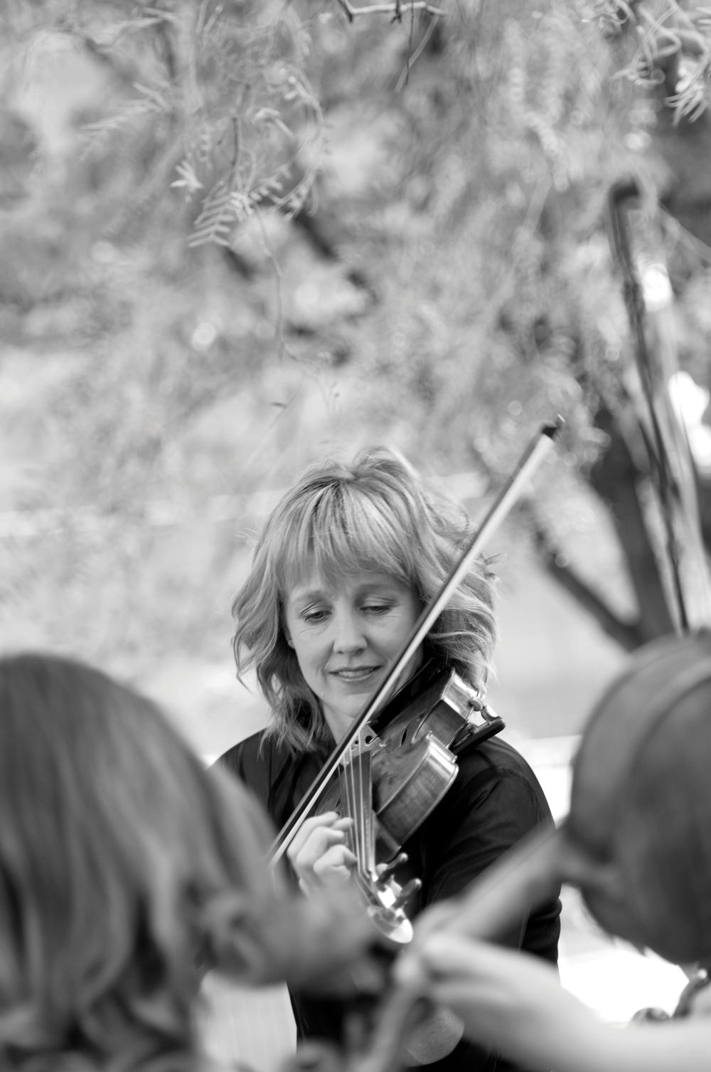 Helen Ayres, violin