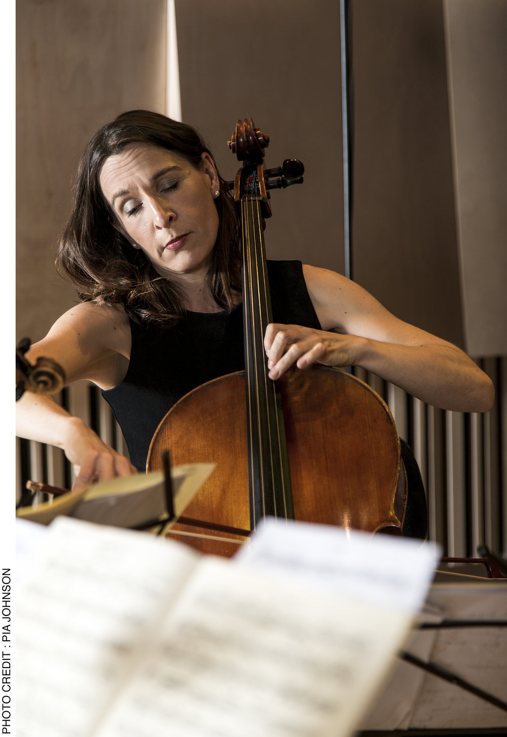 Zoe Knighton, cello