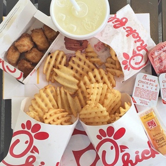 Come join Greek Songfest at our booth outside the student center from 11-2pm today! We'll be selling stars, raffling prizes, and handing out flyers to our CHICK FIL A FUNDRAISER! The fundraiser is from 3-9 so stop on by for all your chicken cravings! #ucigreeksongfest