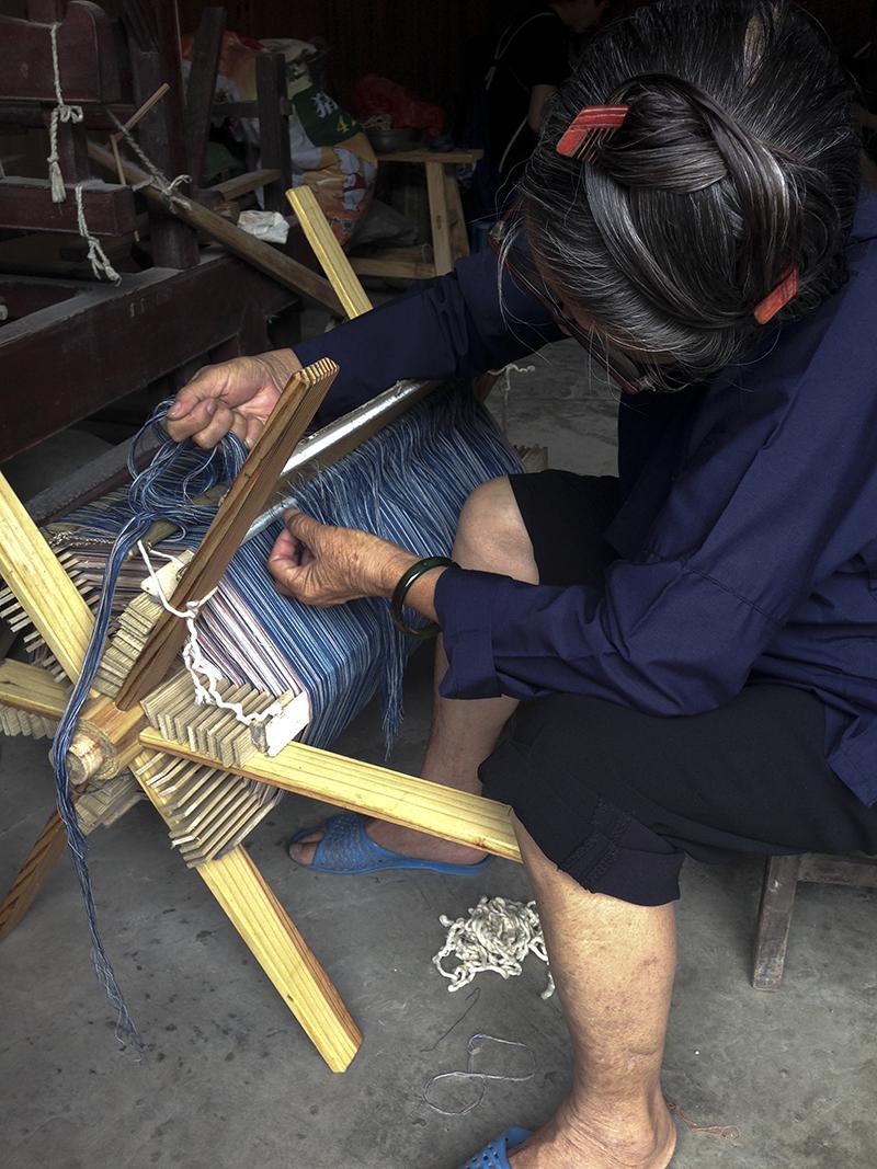 preparing loom.jpg