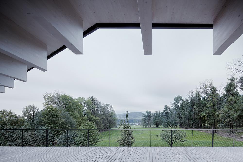 10_Letni_dum_Celadna_CMC_architects_BoysPlayNice.jpg