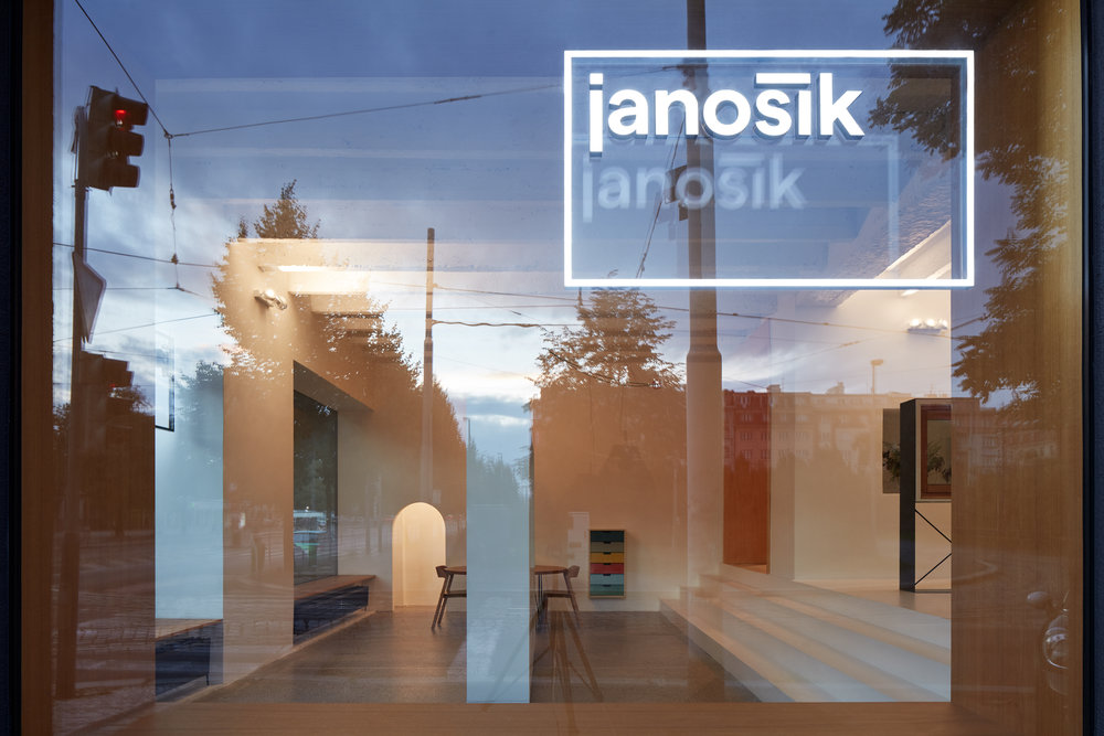 Mjolk_Janosik_Showroom_BoysplayNice_02.jpg