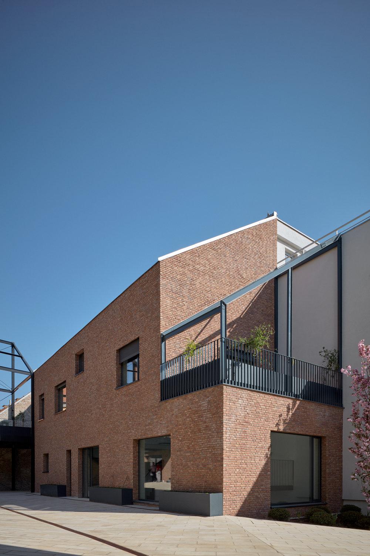 Vallo_Sadovsky_Architects_Nadvorie_BoysPlayNice_03.jpg