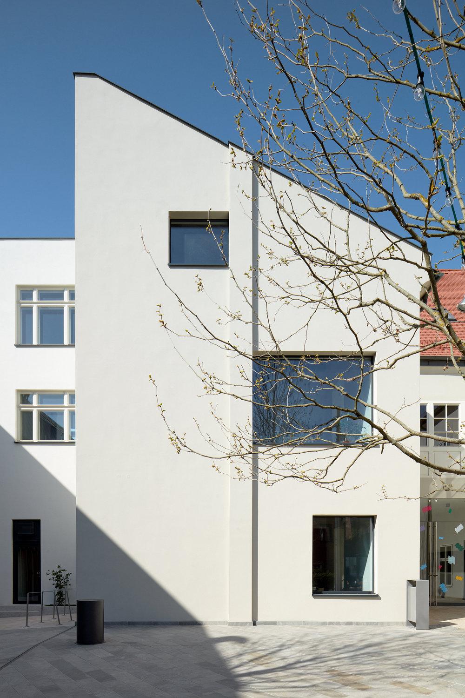 Vallo_Sadovsky_Architects_Nadvorie_BoysPlayNice_04.jpg