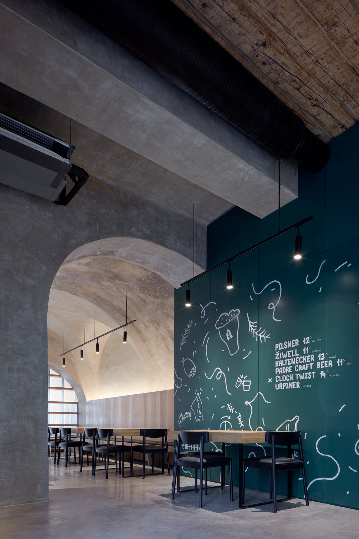 Vallo_Sadovsky_Architects_Nadvorie_BoysPlayNice_33.jpg