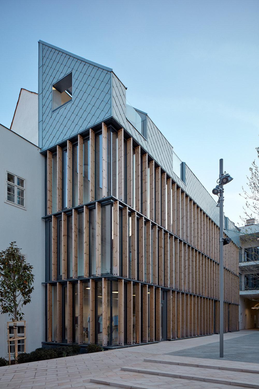 Vallo_Sadovsky_Architects_Nadvorie_BoysPlayNice_51.jpg
