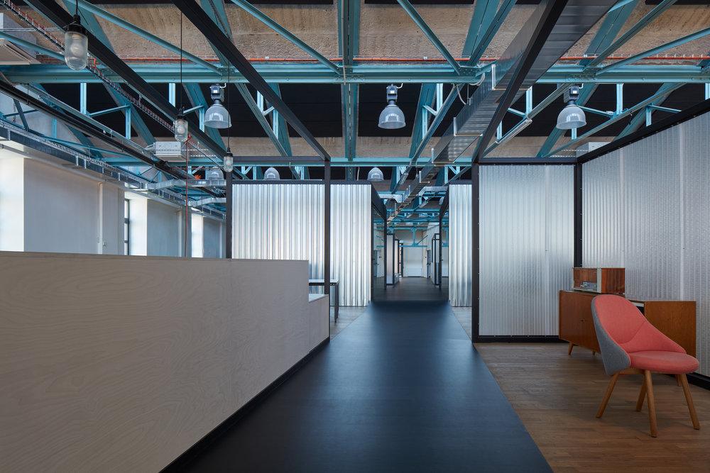 Kurz_architekti_SinnerSchrader_offices_BoysPlayNice_28.jpg