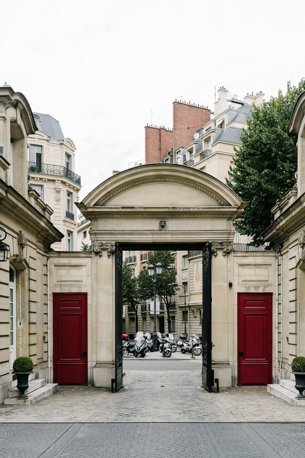 Saint James Paris, Relais & Châteaux  via  Mr & Mrs Smith