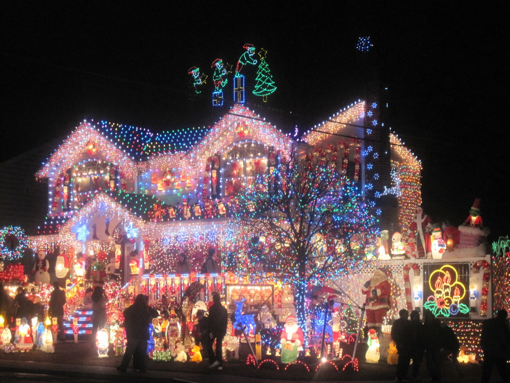 Tacky Light Tours In Richmond