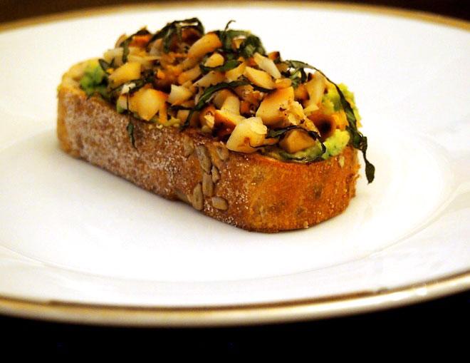 macadamia-avocado-toast
