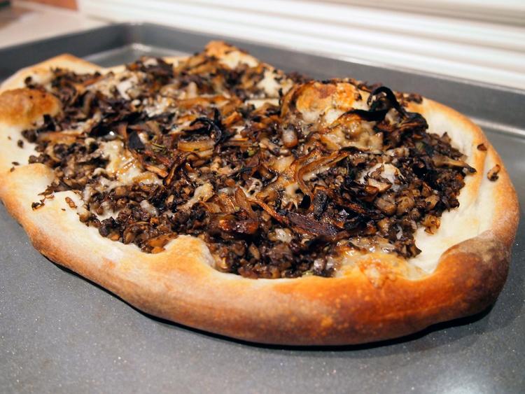 mushroom-onion-gruyere-flatbread