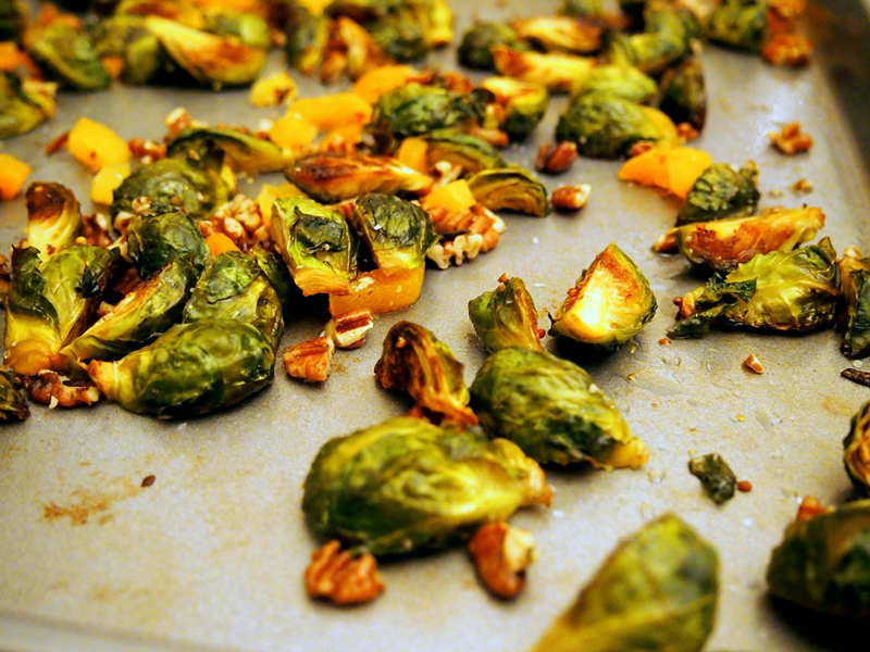 roasted-brussels-apricot-pecans