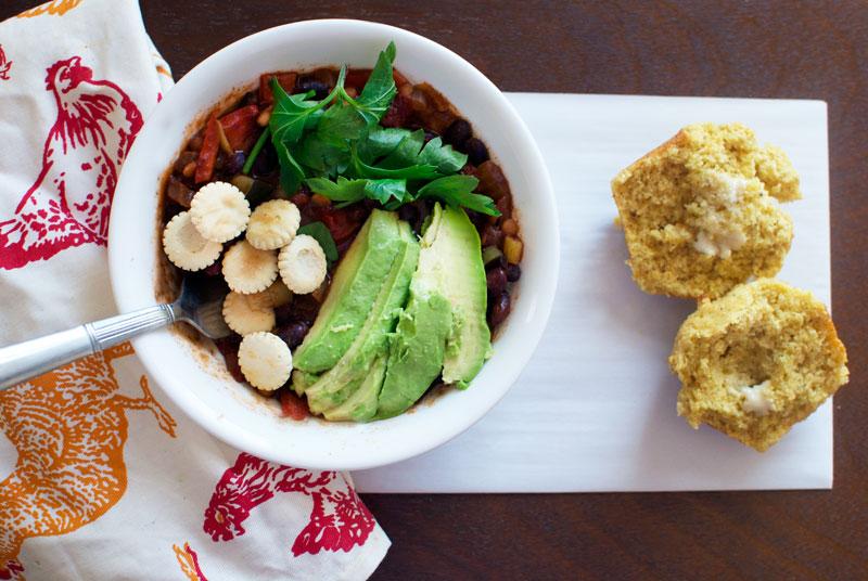 veggie-chili-cornbread