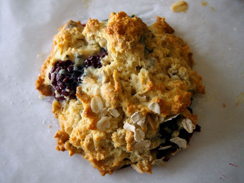 blackberry-oatmeal-scones