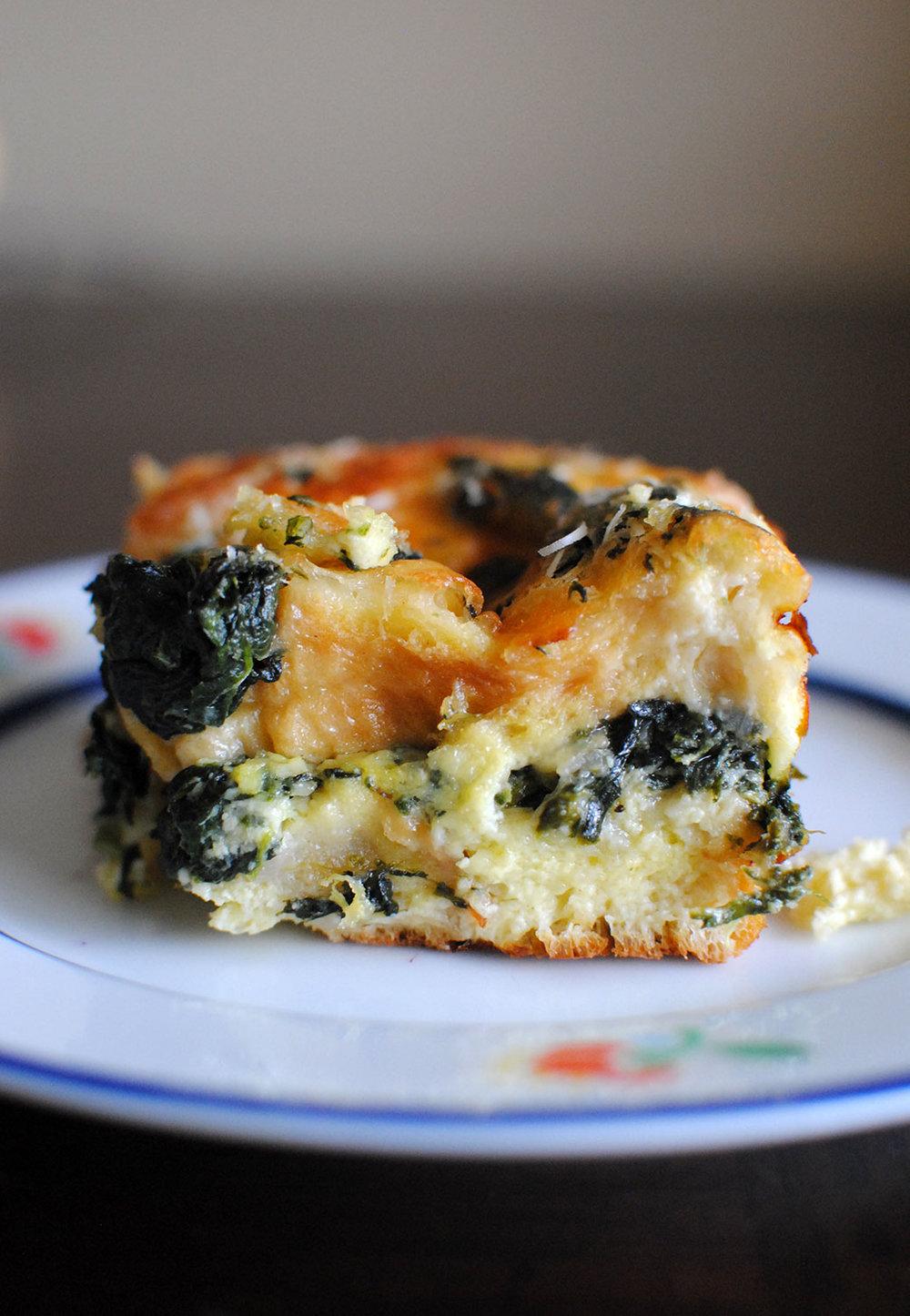 spinach and gruyere strata