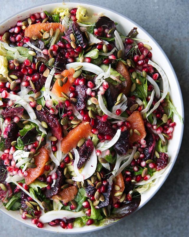 pomegranate seeds on salad will never get old. also, blood oranges 😍