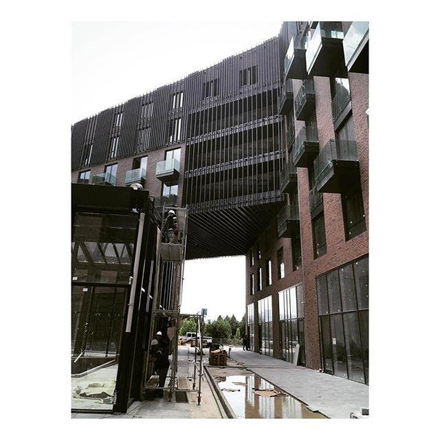 CA2O Architects Bureau Kartepe DoubleTree by Hilton #worksite #ongoing project #ca2o #ca2oarchitects #designhotel #designhotels #construction #facadedesign #yard #atrium #citycenter #architecture #design #ongoingproject #kocaeli #kartepe #businesshotel #hoteldesign #ski #residence #apart
