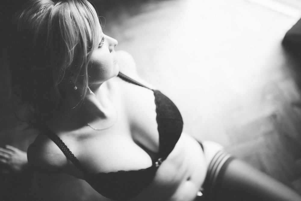 Creative Artistic Boudoir Photography London Curvy (29 of 42).jpg